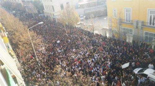 Publikohet axhenda e protestës për nesër dhe 4 kërkesat e studentëve