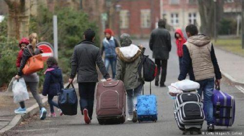"""""""Çdo vit largohen nga Shqipëria 15- 20 mijë persona"""", bashkë me Kosovën kemi eksodin më të lartë në Ballkan"""