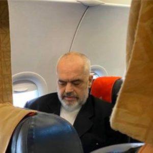 """FOTOLAJM- """"Si sulltani i Bruneit, me avion qeveritar në Paris"""", PDIU reagon për Ramën: Është vetëm një autokrat në ikje"""