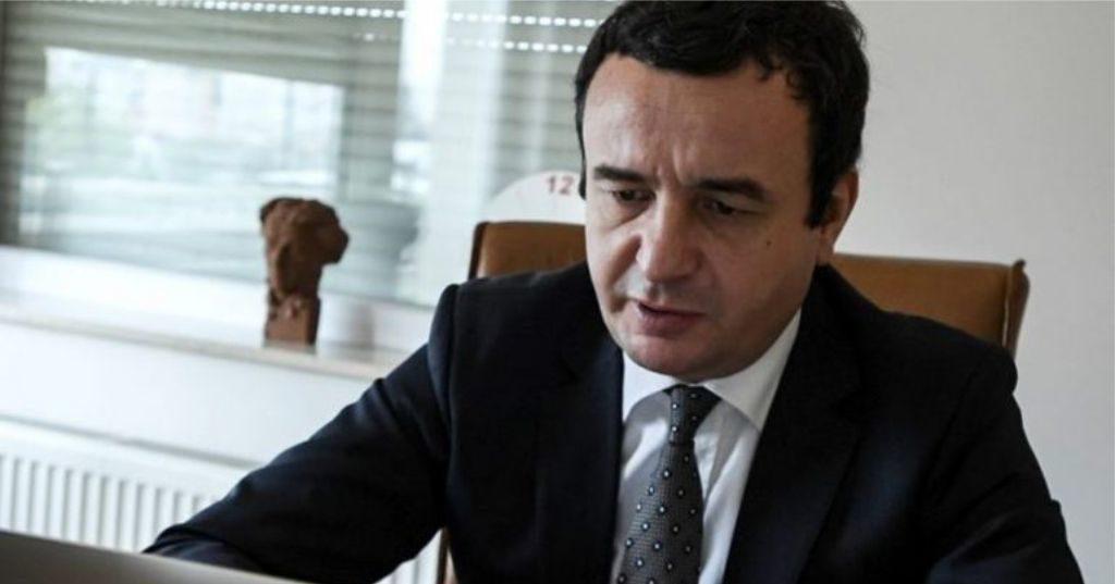 """""""Beteja jonë vazhdon, bashkë me popullin…"""", Albin Kurti komenton vendimin e """"Kushetueses"""": Prisni hapat e metejshëm…"""
