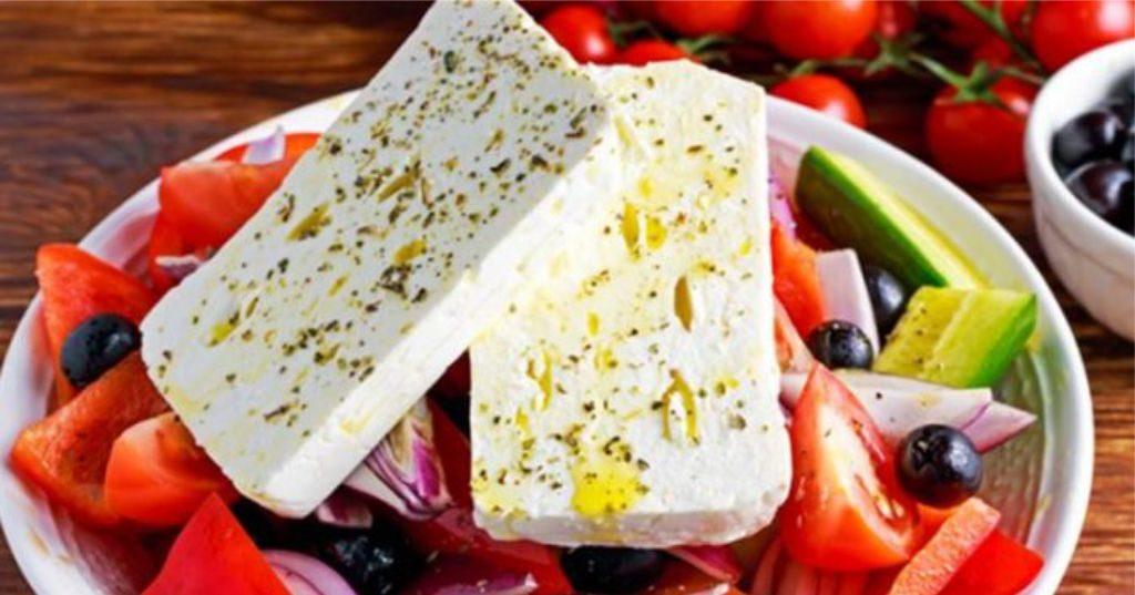 """KËSHILLA – """"Të hash djathë çdo ditë"""", ndikimet e këtij produkti ushqimor në shëndetin e zemrës…"""