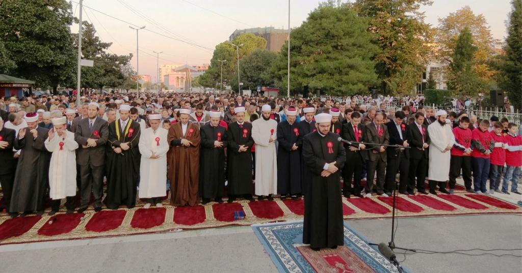 LAJM I MIRË – Komuniteti Mysliman shpërndan njoftimin, rifillojnë ceremonitë fetare në mbarë vendin tonë…