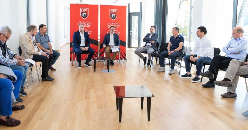 """""""Toleranca do të jetë zero"""", FSHF-ja takim me zyrtarët e ndeshjeve, ja çfarë u diskutua…"""