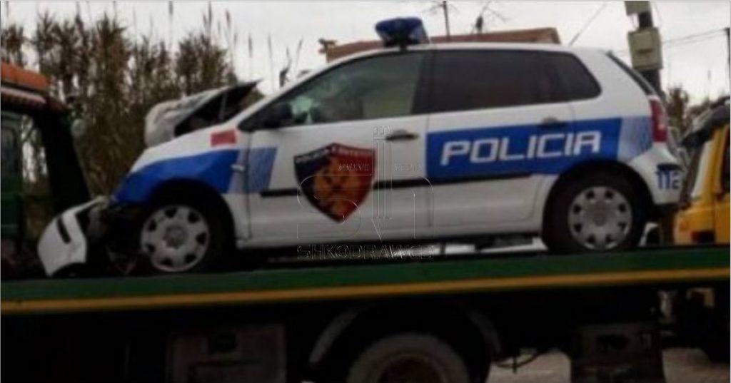 EMRAT – Po ndiqte një person të shpallur në kerkim, makina e policisë del nga rruga- efektivët përfundojnë në spital